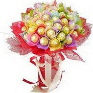 Подарочный букет из конфет