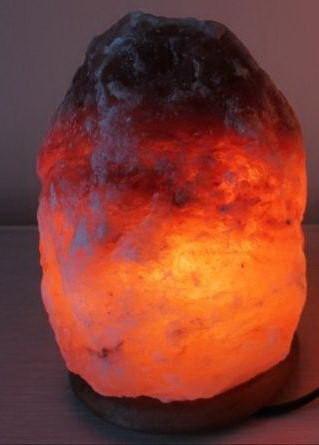 Солевая лампа в темноте
