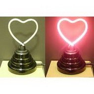 Настольная лампа в форме сердце