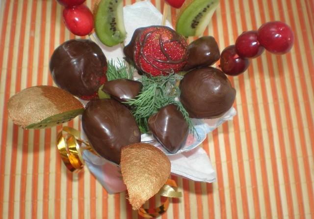 Букет из фруктов готов