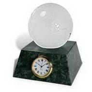 Настольные часы с декоративными элементами
