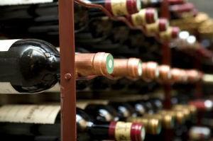 Идеальная тара для вина - стеклянная бутылка