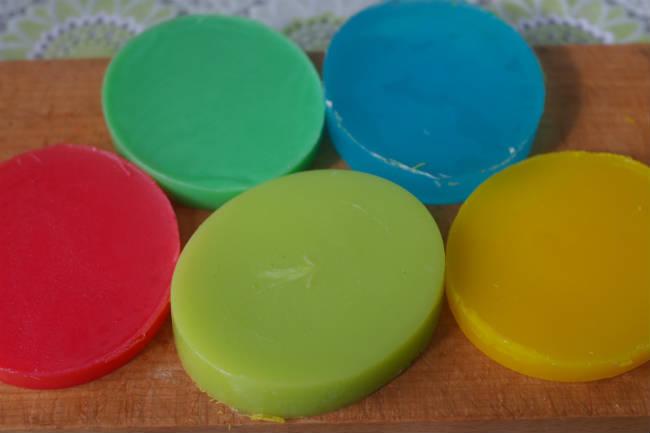 Цветные слитки мыльной основы
