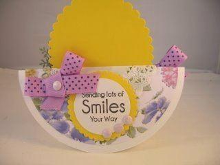 Обратная сторона открытки с бантиками и цветами для девочки