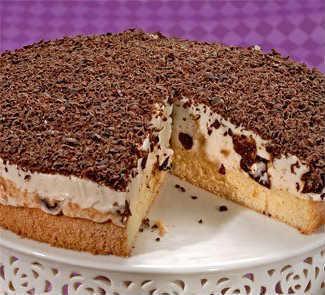 Торт сметанный с творогом и черносливом