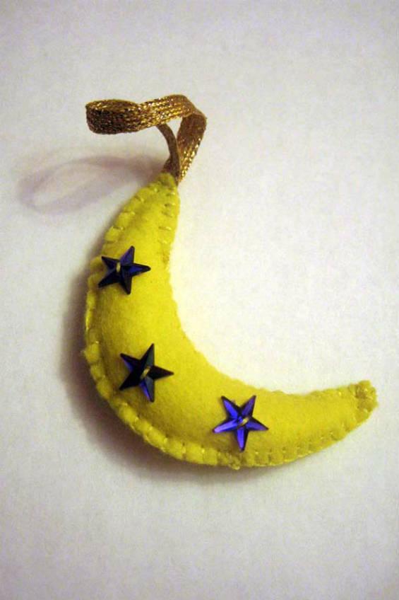 """Елочная игрушка """"Банан"""" из фетра"""