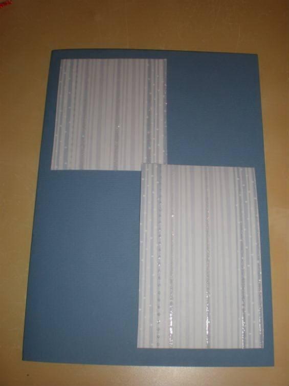 Вырезаем два прямоугольника из бумаги для скрапбукинга