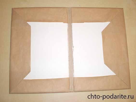 Обклеиваем обложку крафт-бумагой