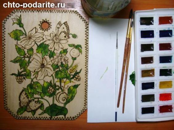 Раскрасьте листья и стебли