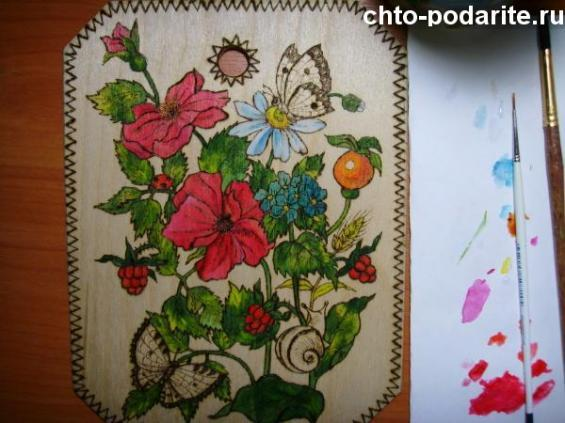 Раскрасьте улиток и бабочек