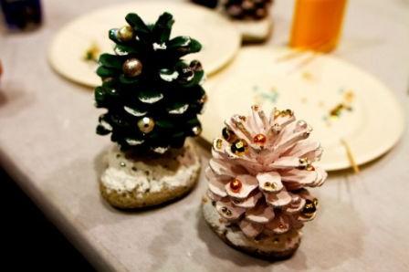 Новогодние украшения из природного материала