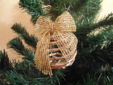Новогодняя игрушка из виноградной лозы