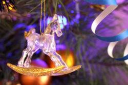 Украшение помещения к Новому году Лошади