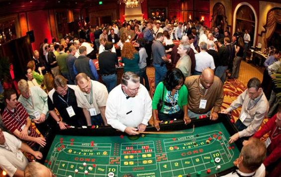Вечеринка в стиле казино дома