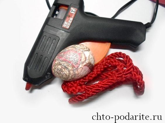 Материалы и инструмент для создания подставки под пасхальное яйцо своими руками