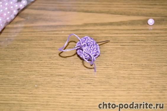 Работаем над созданием вязаной розочки