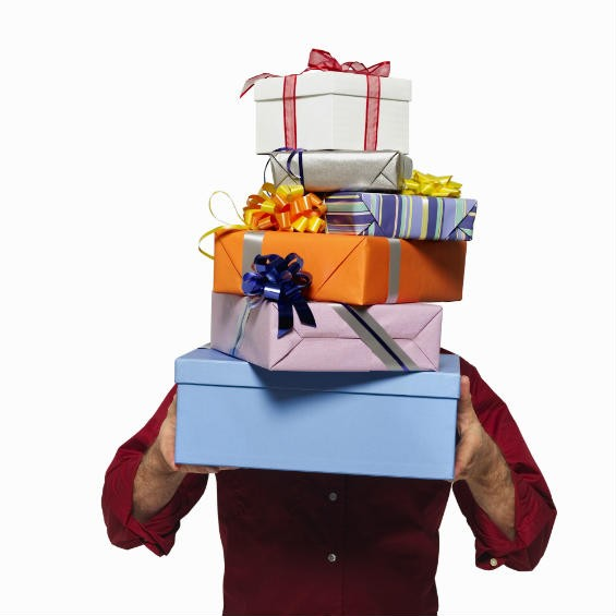 Выбор и покупка подарка взрослому человеку
