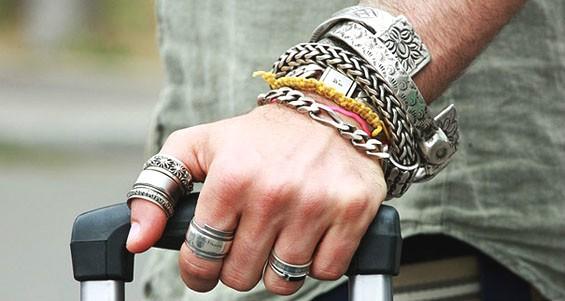 Мужские украшения из серебра
