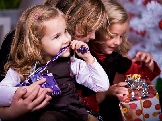 Советы по выбору подарков для детей к Новому году