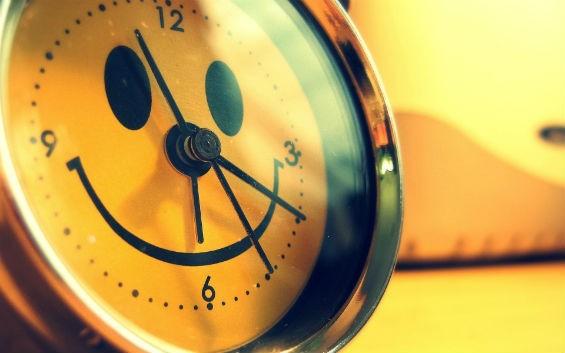 Часы с улыбкой