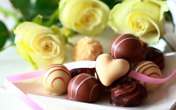 Как красиво подарить конфеты?