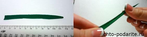Из зеленой гофробумаги, вырезаем по два листика для каждого цветка
