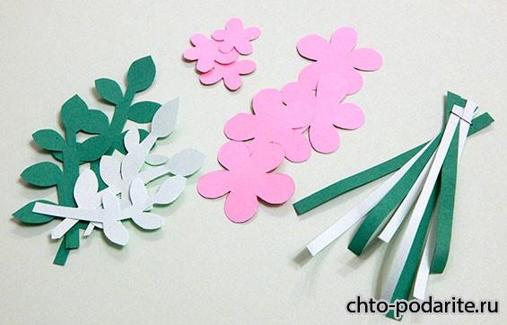 Вырезаем цветы, лепестки и стебли
