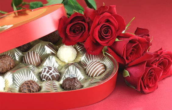 Цветы и конфеты