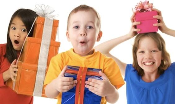 Как выбрать подарок для ребенка?