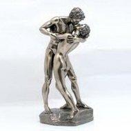 Скульптура влюбленные