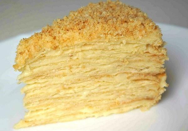 Кусок торта Наполеон