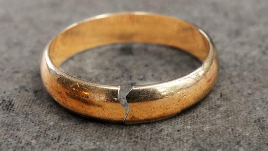 поломанное кольцо