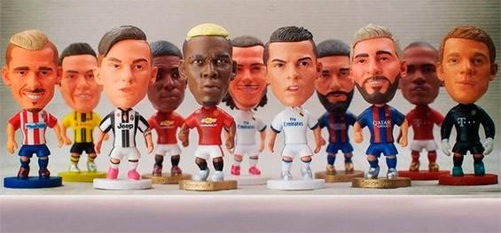 статуэтки футболистов