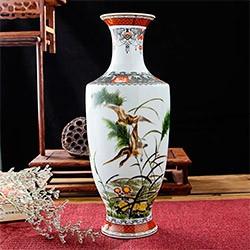 Антикварная ваза для цветов