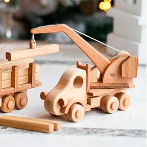 Для детей игрушки из дерева, конструкторы, головоломки