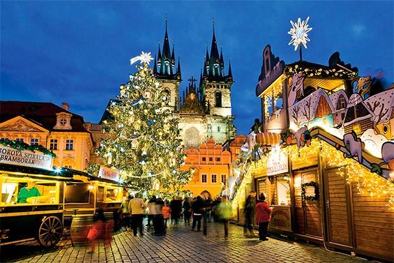 город, украшенный к Новому году