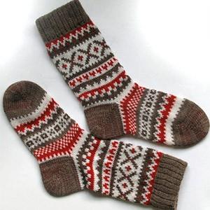 Зимние носочки с жаккардовым узором