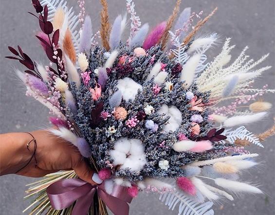Букет из лаванды и сухоцветов