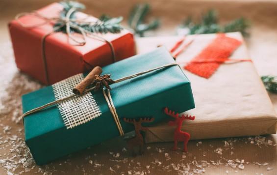 Как упаковать чехол в подарок для смартфона